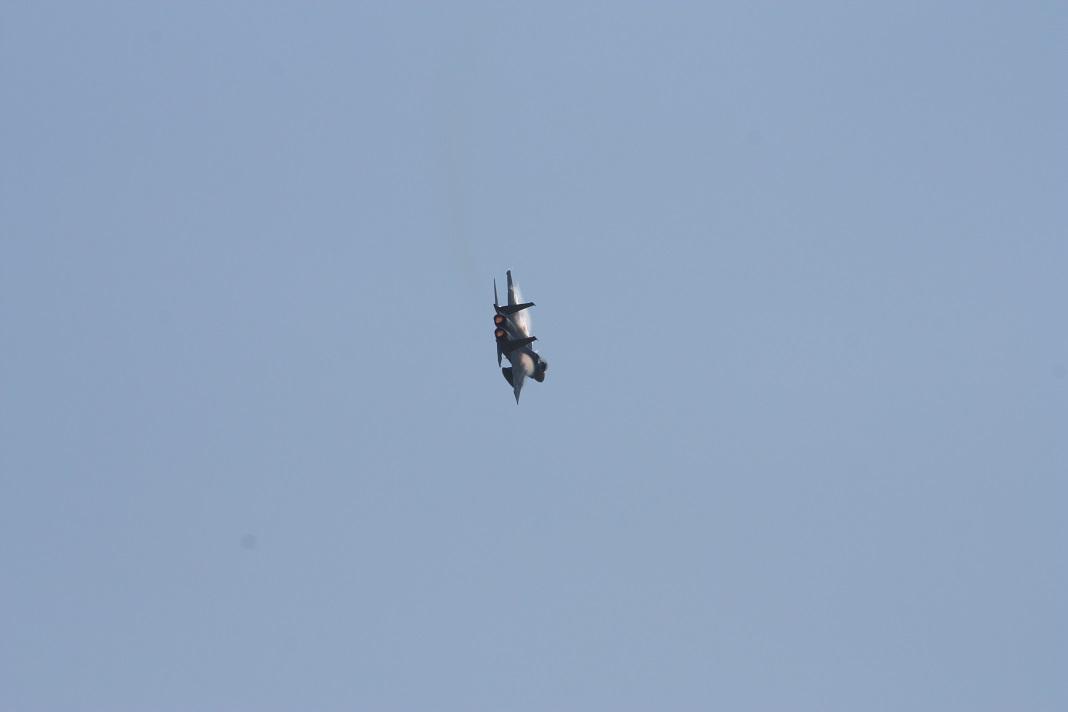 F15-2a.jpg