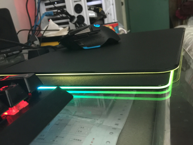MM800RGB-RazerFirefly_05.jpg