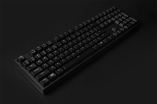 MasterKeys_Pro_L_WhiteLED_03.jpg