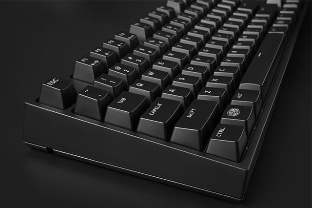 MasterKeys_Pro_L_WhiteLED_04.jpg