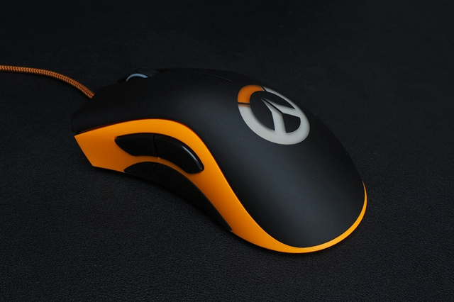 Overwatch_DeathAdder_Chroma_05.jpg