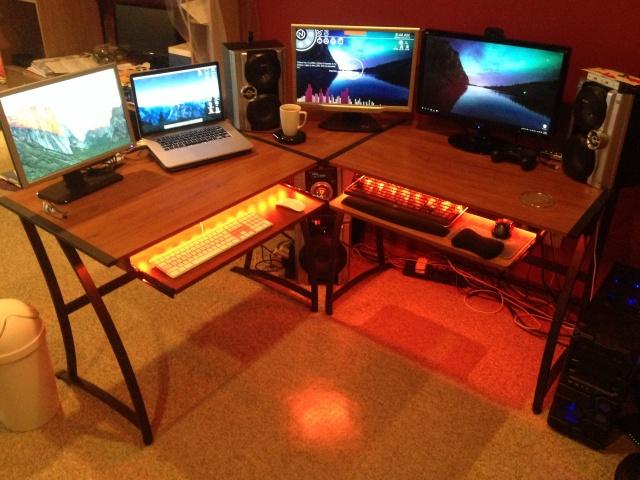 PC_Desk_MultiDisplay65_13.jpg