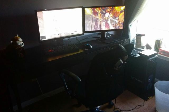 PC_Desk_MultiDisplay65_22.jpg