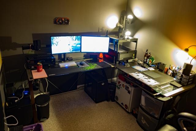 PC_Desk_MultiDisplay65_24.jpg