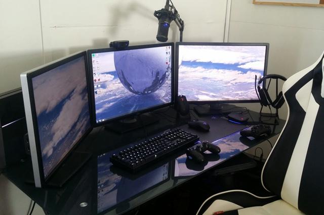 PC_Desk_MultiDisplay65_26.jpg