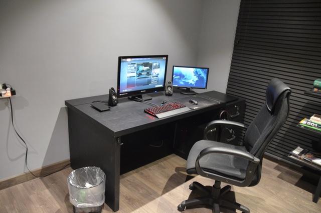 PC_Desk_MultiDisplay65_27.jpg