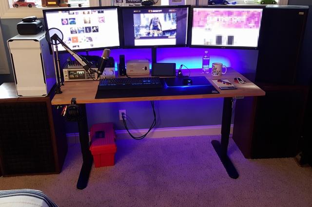PC_Desk_MultiDisplay65_29.jpg