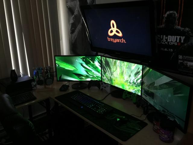 PC_Desk_MultiDisplay65_47.jpg