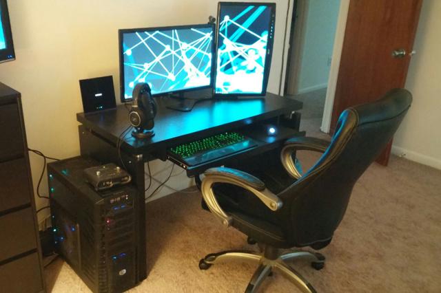 PC_Desk_MultiDisplay65_50.jpg