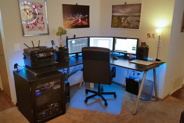 PC_Desk_MultiDisplay65_55.jpg