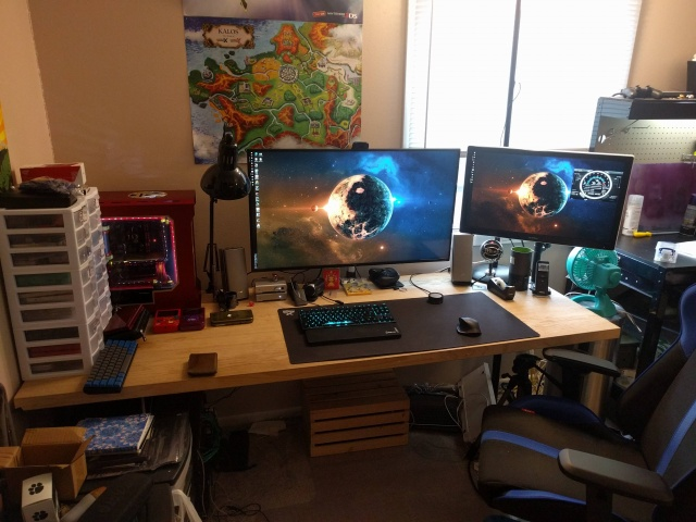 PC_Desk_MultiDisplay65_58.jpg