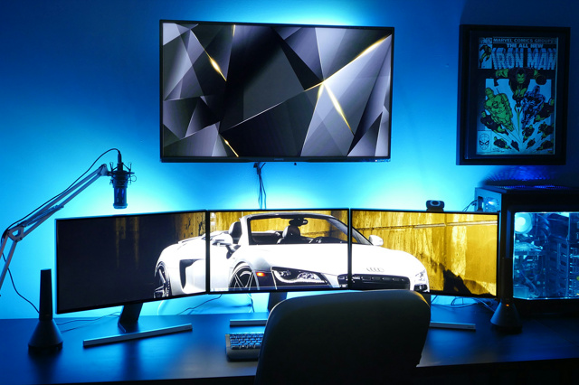 PC_Desk_MultiDisplay65_61.jpg