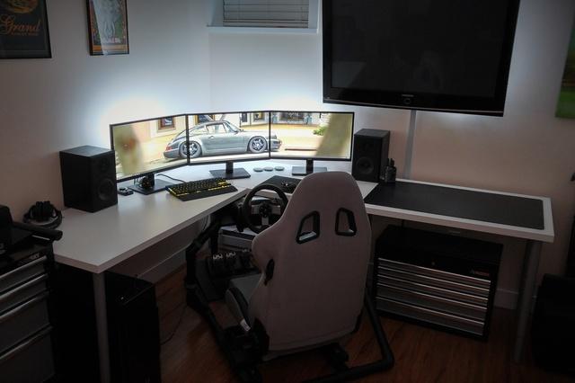 PC_Desk_MultiDisplay65_63.jpg