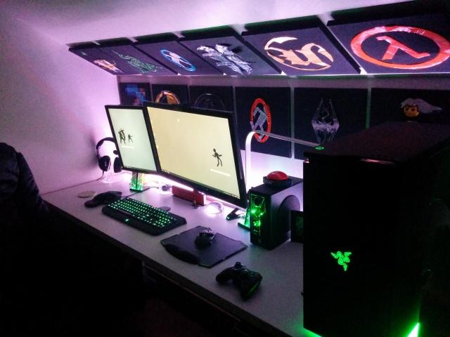 PC_Desk_MultiDisplay65_70.jpg