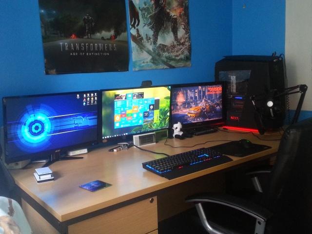 PC_Desk_MultiDisplay65_82.jpg