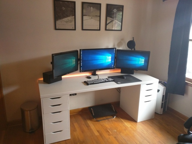 PC_Desk_MultiDisplay65_92.jpg