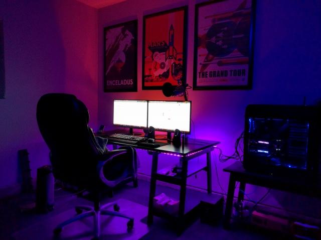 PC_Desk_MultiDisplay65_93.jpg