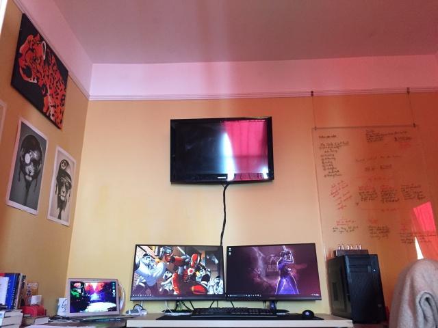 PC_Desk_MultiDisplay65_98.jpg