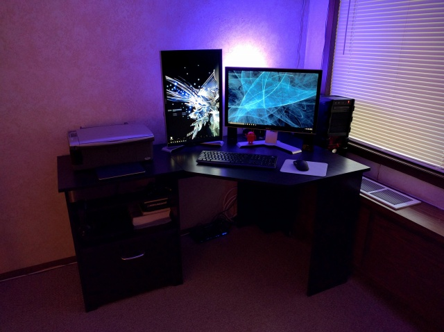PC_Desk_MultiDisplay66_20.jpg