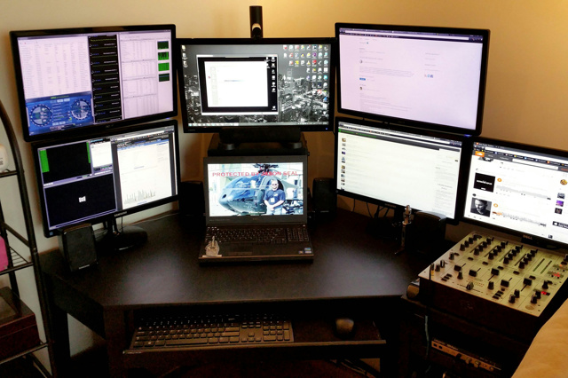 PC_Desk_MultiDisplay66_25.jpg