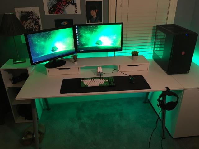 PC_Desk_MultiDisplay67_03.jpg