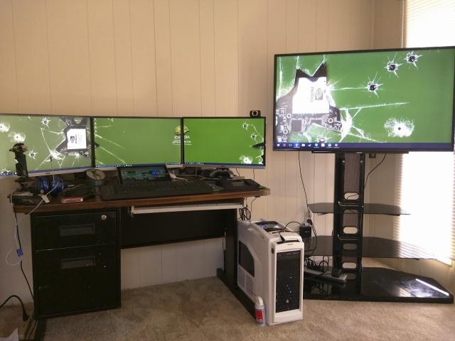 PC_Desk_MultiDisplay67_22.jpg