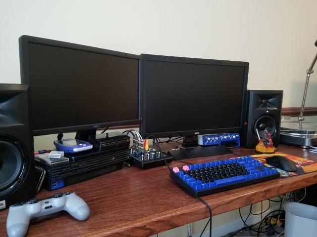 PC_Desk_MultiDisplay67_26.jpg
