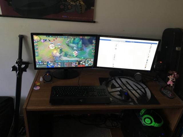 PC_Desk_MultiDisplay67_31.jpg