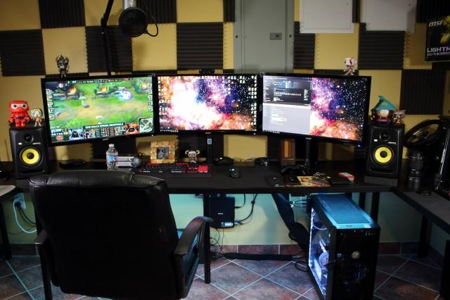 PC_Desk_MultiDisplay67_37.jpg