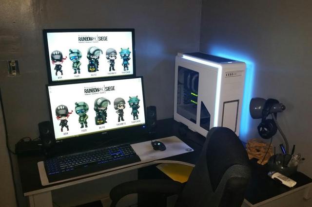 PC_Desk_MultiDisplay67_45.jpg