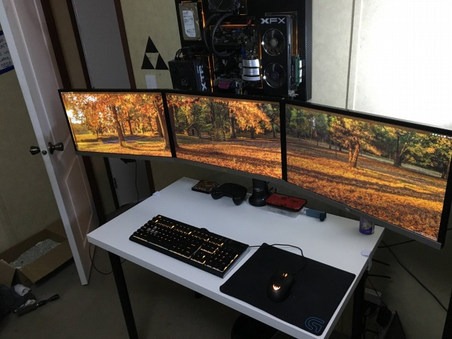 PC_Desk_MultiDisplay67_46.jpg