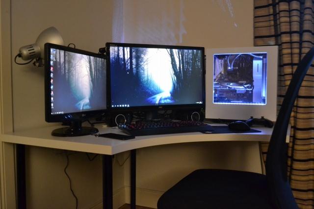 PC_Desk_MultiDisplay67_72.jpg