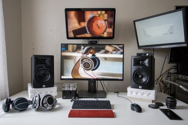 PC_Desk_MultiDisplay69_42.jpg