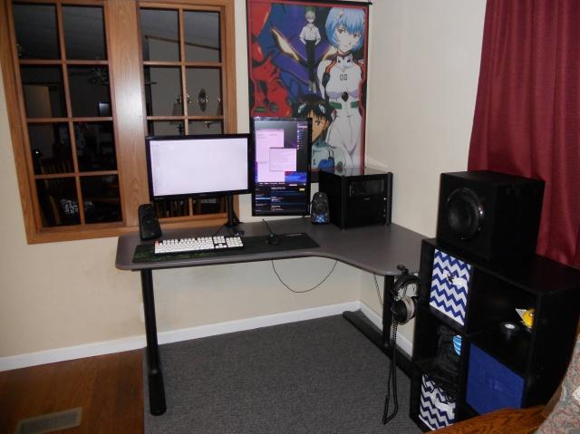 PC_Desk_MultiDisplay69_44.jpg