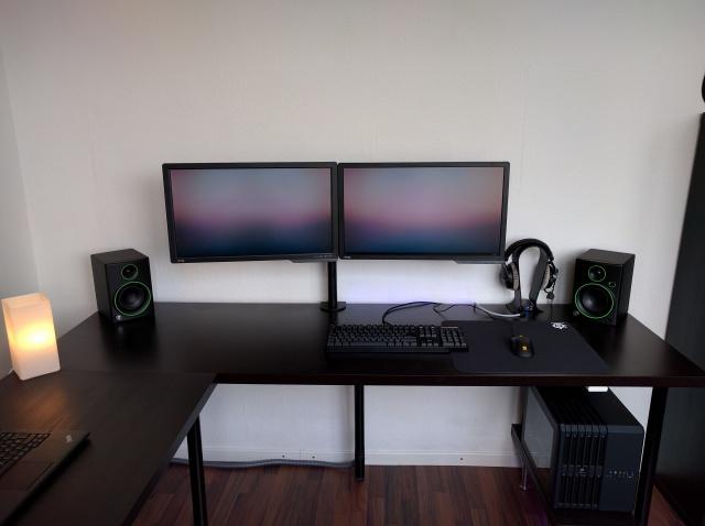 PC_Desk_MultiDisplay69_49.jpg
