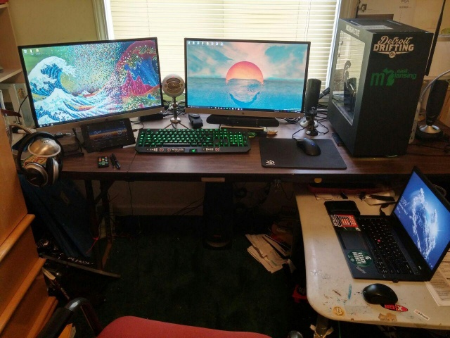 PC_Desk_MultiDisplay69_51.jpg