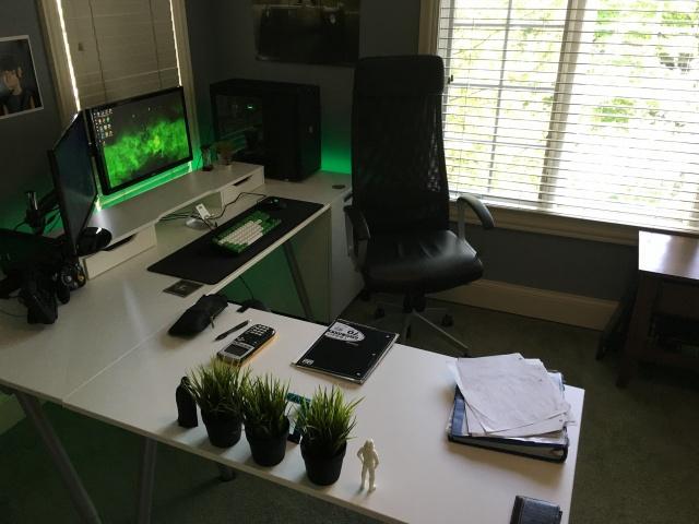 PC_Desk_MultiDisplay69_53.jpg