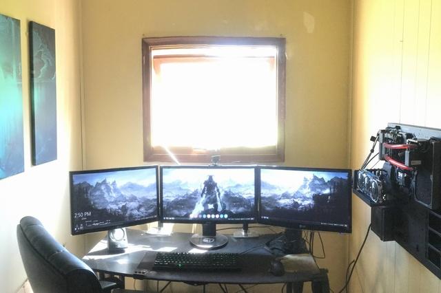 PC_Desk_MultiDisplay69_54.jpg