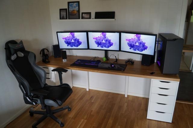 PC_Desk_MultiDisplay69_76.jpg