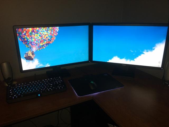 PC_Desk_MultiDisplay69_92.jpg