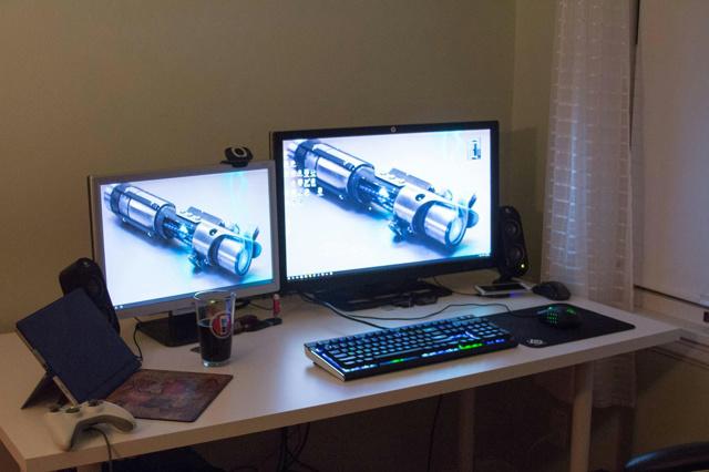 PC_Desk_MultiDisplay69_96.jpg