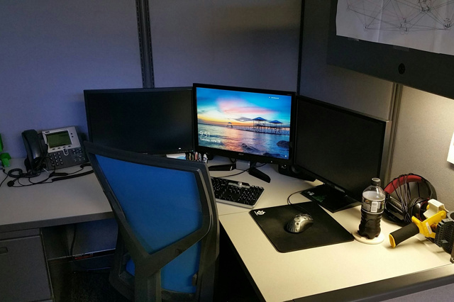 PC_Desk_MultiDisplay72_20.jpg
