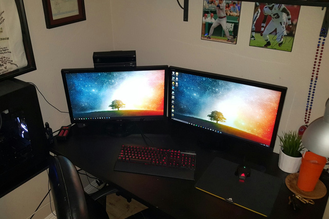 PC_Desk_MultiDisplay72_40.jpg