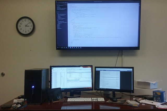 PC_Desk_MultiDisplay72_75.jpg