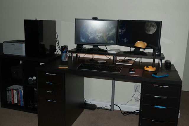 PC_Desk_MultiDisplay73_15.jpg