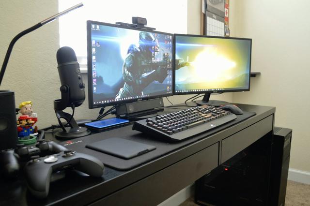 PC_Desk_MultiDisplay74_19.jpg