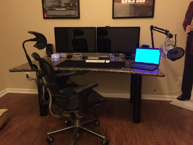 PC_Desk_MultiDisplay74_47.jpg