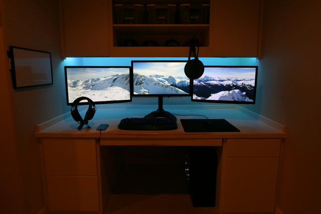 PC_Desk_MultiDisplay74_48.jpg