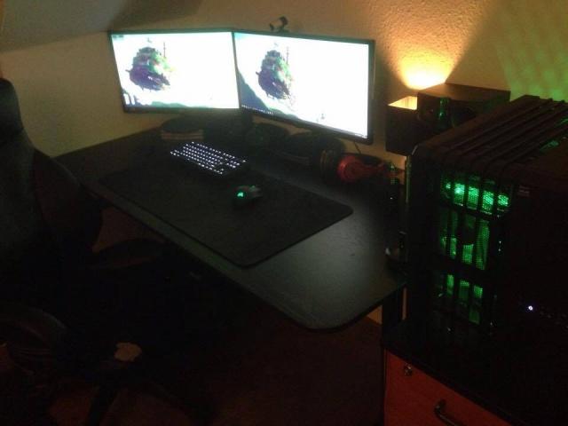 PC_Desk_MultiDisplay76_03.jpg