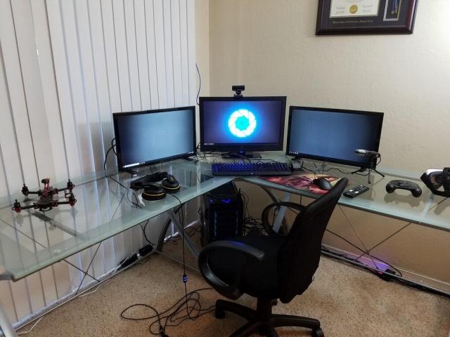 PC_Desk_MultiDisplay76_28.jpg